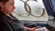 Aan bloggen in bus